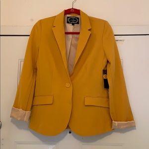 Women's mustard color blazer